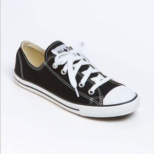 Women's chuck taylor dainty sneaker